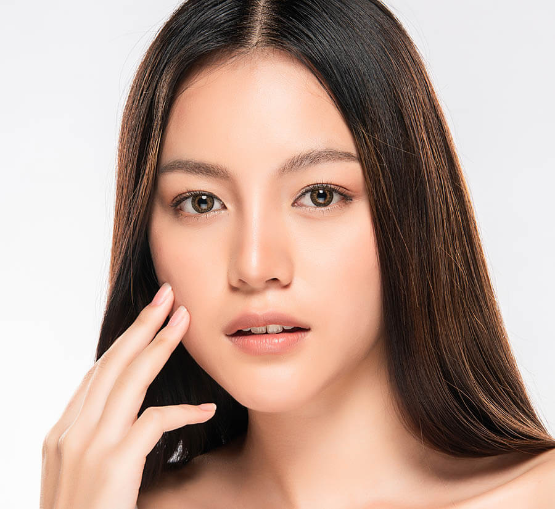 pretty facial skin model