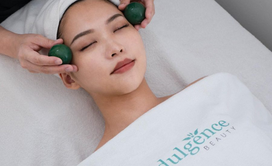 Best_Acne_extraction_facial_Singapore_MD_Dermatics_jade_ball